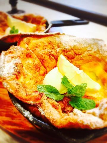 燻製専門焼き菓子と一緒に、美味しい日本茶や燻製珈琲を愉しめる大人のカフェ
