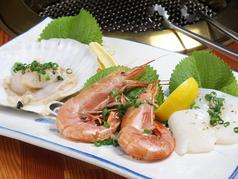 料理メニュー写真海鮮焼盛り(海老、帆立、イカ)