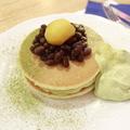 料理メニュー写真抹茶クリームと和小豆ののパンケーキセット