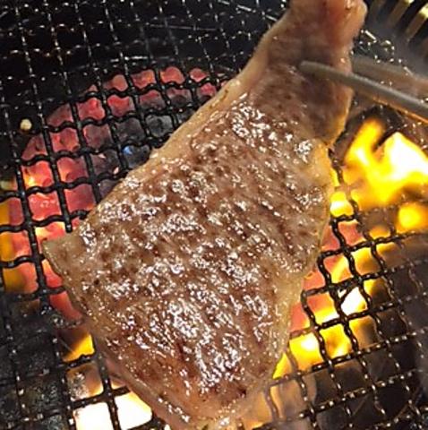 創業20年の焼肉和牛専門店。本物の味を守り、口の中でとろけるお肉を堪能できるお店。