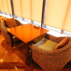 2名ソファー席は6卓のご用意がございます。