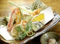 料理メニュー写真野菜と海老の天ぷら盛合せ