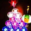 【無料特典2】結婚式2次会の定番!光り輝く幻想的なシャンパンタワーももちろんご用意♪BGMと照明効果で盛り上がり間違いなし!無料