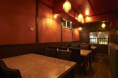【テーブル席】ゴージャスな大理石の広々テーブル♪女子会にもお勧めのお席です♪