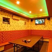 【同ビルにある系列店もご紹介♪】テーブルとソファのレイアウトは自由自在に入れ替え可能なので、幹事様の造りたい空間を実現できます。