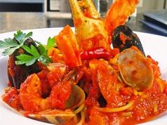 料理メニュー写真ペスカトーレ魚介のトマトソース