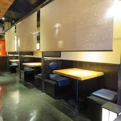 【別邸】 2名様テーブル席×3席ロールスクリーンで半個室に!