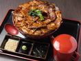 飲みの〆などに豚丼お茶漬けセットはいかがですか?豚肉の旨味とお出汁が混ざり合って美味しさUPです!