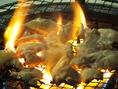 炭火焼の遠赤外線が肉の旨みをぎゅっと閉じ込めます。