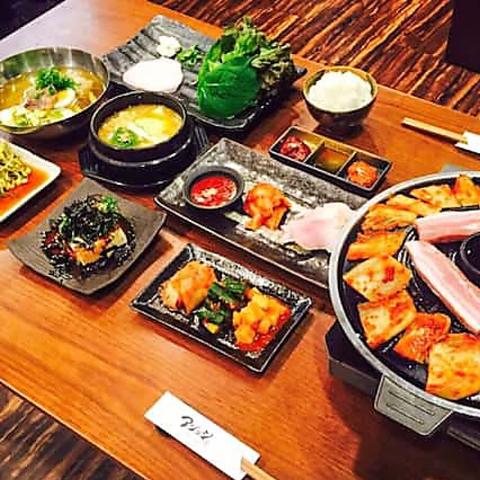【サムギョプサル食べ放題】韓国料理といえば絶品サムギョプサル!100分食べ放題の満腹コース♪