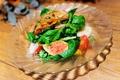 料理メニュー写真有機ハーブの香りサラダ