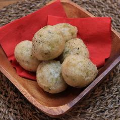ゼッポリーニ (あおさのりの揚げパン)