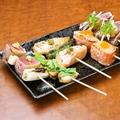 料理メニュー写真本日のおすすめ串五種盛り合わせ