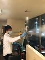 【光触媒による店内感染症予防の様子(1)】国産のクリーンプロテクションで店内を徹底除菌!従来の光触媒よりも10倍以上の殺菌力!安心安全の状態でご利用頂けるよう感染症予防も行っております。