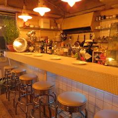 ≪キャラメルカフェ≫のカウンター席は6名様まで。店内を丸ごと貸切の際はこちらもご利用いただけます。又、カウンターはデートにもおすすめです。