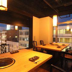 夜景が見える個室。デートや記念日に最適