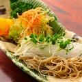 料理メニュー写真蕎麦サラダ