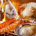 名物「浜焼き」は必食!!お客様自ら、卓上コンロで焼いて召し上がって頂きます。目や舌だけでなく五感でお楽しみ頂けます。