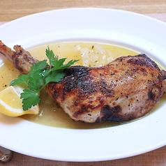 国産 骨付き鶏もも肉の薪窯焼き