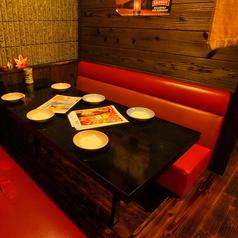 大人気♪半個室の掘りごたつテーブル席は仲間内での少人数の飲み会にピッタリ!人気の席ですので、要予約です♪