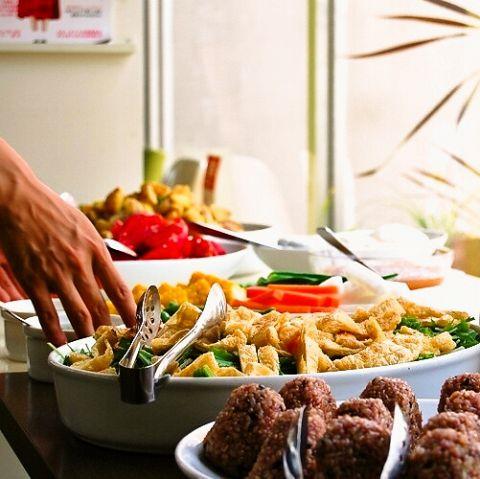 有機栽培や減農薬栽培されたお野菜を中心につかったヘルシーメニュー♪身体も喜ぶお食事をご用意してます♪