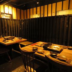 周囲を気にせずご利用出来るテーブル席。仲間同士での飲み会や職場のご宴会などにも最適です