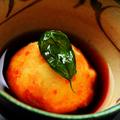 料理メニュー写真もっちり和風カニクリームコロッケ トマト出汁