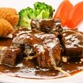 料理メニュー写真牛肉の赤ワイン煮