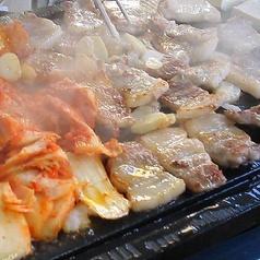 本場 韓国居酒屋 豚の貯金箱の特集写真