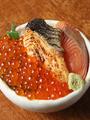 料理メニュー写真鮭いくら丼