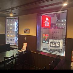 肉バル&イタリアン ひょうたん 新宿歌舞伎町店の雰囲気1