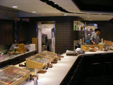 鮨処 写楽 大阪北第三店の雰囲気1