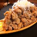 料理メニュー写真【大バカ】若鶏の唐揚げ(醤油ダレ・辛ダレ・ハーフ)
