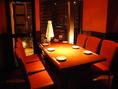 柔らかな光に包まれたテーブル席★デート、女子会にもピッタリ♪和風を基調とした、シックで落ち着いたモダン空間は女性のお客様にも好評◎※写真はイメージ