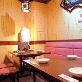4名様掛けテーブル席(お席を引っ付けて8名掛け個室席にも!!)