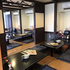 世界の山ちゃん 神田神保町店の雰囲気1