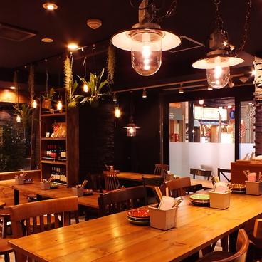 炭火とワイン 経堂店の雰囲気1