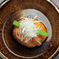料理メニュー写真キムチチゲ/穴子の入った里芋饅頭