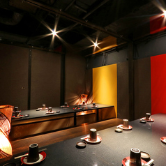 お部屋紹介3 6名~10名個室中規模のお客様のご宴会に対応、もちろん二次会にも、各種催し物にもご利用いただけます。