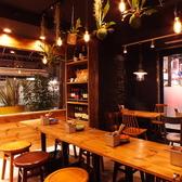 炭火とワイン 経堂店の雰囲気3