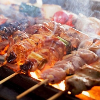 鶏料理にこだわります!名物の焼き鳥食べ放題に注目!