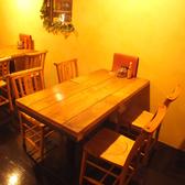 2階席は各人数に応じたテーブル席をご用意!4名様席は女子会・合コンにも最適です♪手作りの店内は様々なところに遊び心をくすぐるこだわりが♪本場メキシコ料理を味わうオシャレな空間★