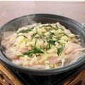 料理メニュー写真豚バラと大葉の陶板蒸し