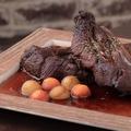 料理メニュー写真国産 スペアリブの赤ワイン漬けグリル