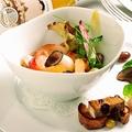 料理メニュー写真オマール海老とゆり根の入った白いんげんのフラン カラスミと焼き雲丹を添えて