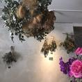 【フラワーデザイナーのスタッフがいるお店】フラワーデザイナーの先生でありながらGREENDECORATEのスタッフでもあるCHIHO先生が植物のご相談何でも承ります★又、結婚式2次会や各種記念日に花を添える素敵なブーケなども作成致しますので、是非お気軽にスタッフまでお声掛け下さい。