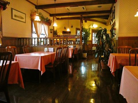 一年中花や緑に囲まれた癒しのカントリーレストラン!地元の食材を使った料理に舌鼓。