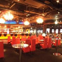 160人着席できる広く開放的な店内!