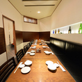 大人気の宴会個室。最大18名様まで座れます。