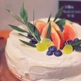"""GREEN DECORATEオリジナルスイーツデザイナー""""Tsuki""""によるケーキメニューが新たに仲間入りしました!!自慢のケーキは店内飲食の他テイクアウトもOKです。専用のBOXに詰めてお渡し致します♪又ホールケーキもご予約承っております!!詳しくは店頭スタッフ迄!!"""